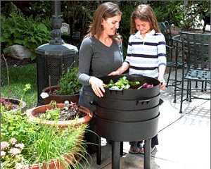 The Can-O-Worms composter makes great compost
